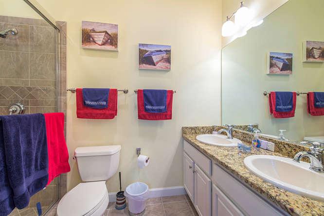 301 S Storter Avenue-small-010-Guest Bathroom-666x445-72dpi